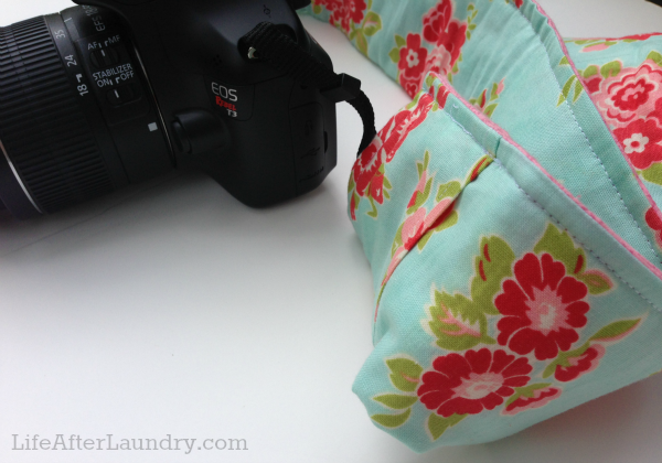 Camera Strap Cover with Pocket Tutorial from LifeAfterLaundry.com