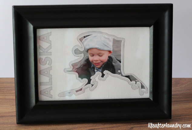 DIY Photo Mat with Printable Cotton Canvas   LifeAfterLaundry.com   #SilhouettePortrait #SilhouetteCAMEO # DIY #Crafts
