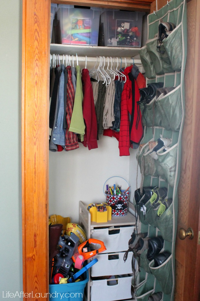 toy closet organization via lifeafterlaundry.com