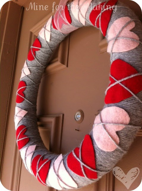 Heart Argyle wreath plus more Valentines Wreath Ideas