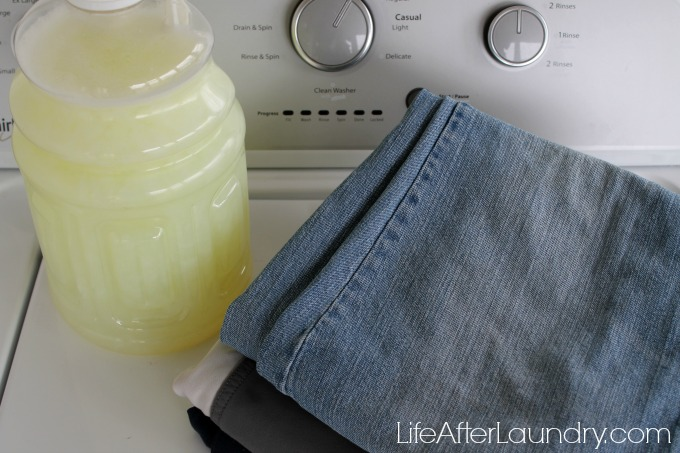Simple and effective homemade laundry detergent via lifeafterlaundry.com