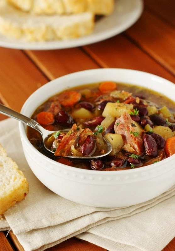 Slow-Cooker-Ham-and-Kidney-Bean-Soup 4