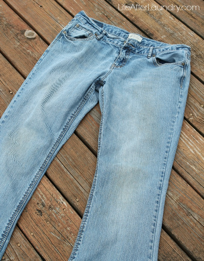 jeans cleaned with homemade laundry detergent via lifeafterlaundry.com