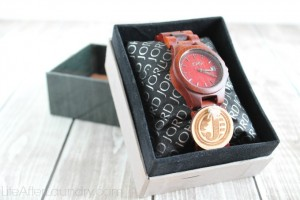JORD Watches and Other Meaningful Graduation Gift Ideas